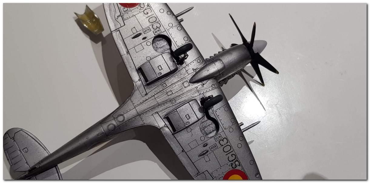 [Fujimi] Spitfire F Mk XIV Belgian Air Force circa 1952 20181105_213046s