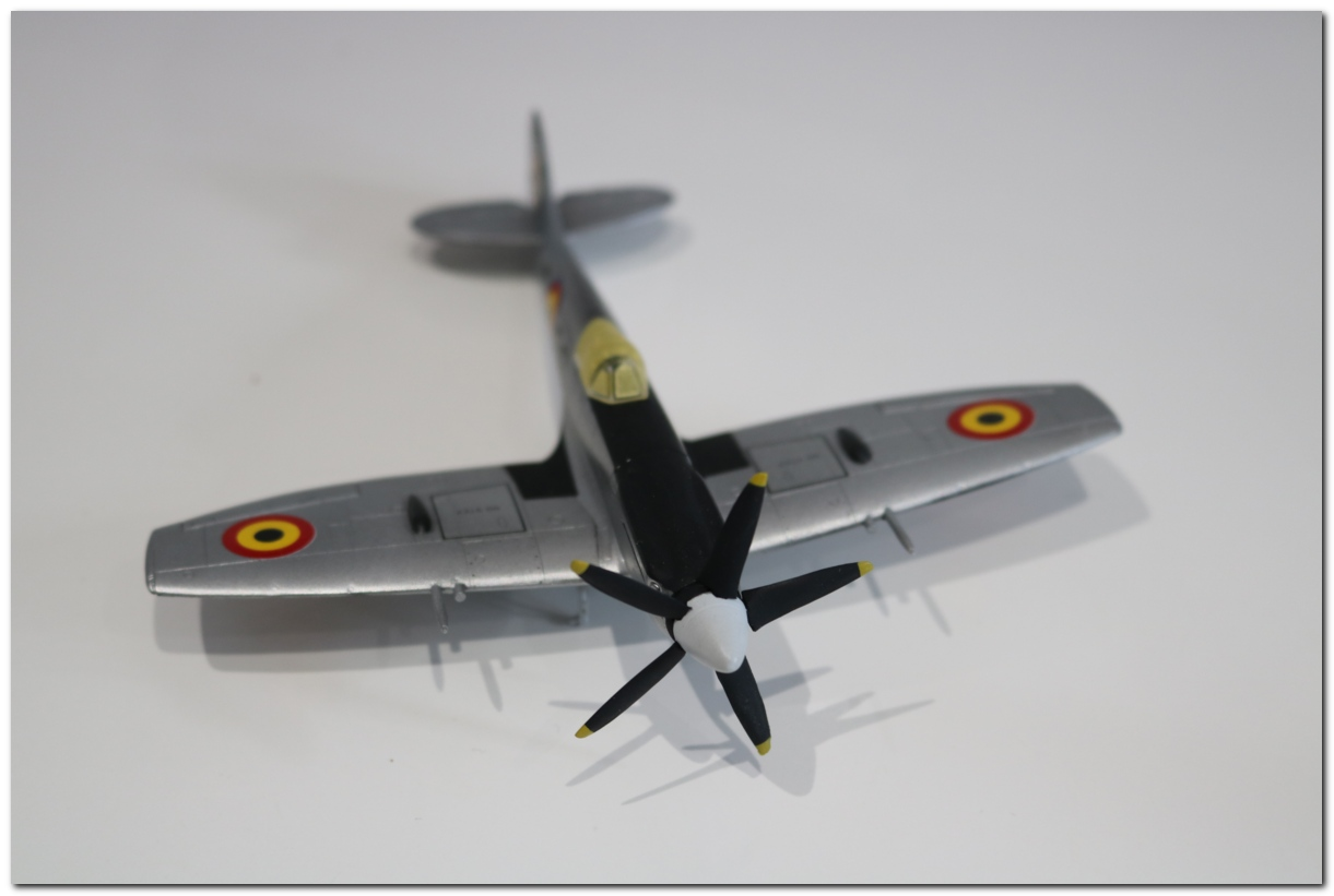 [Fujimi] Spitfire F Mk XIV Belgian Air Force circa 1952 IMG_5452s